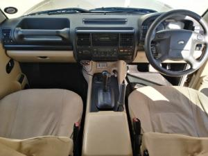 Land Rover Discovery GS TD5 automatic - Image 9