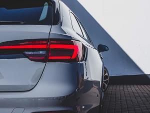 Audi RS4 Avant - Image 17