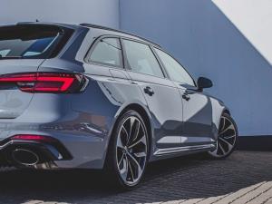 Audi RS4 Avant - Image 5