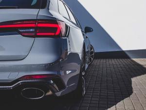 Audi RS4 Avant - Image 6