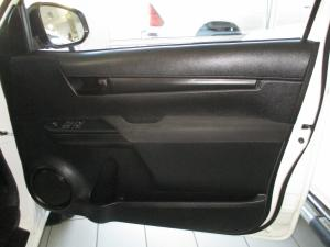 Toyota Hilux 2.4 GD-6 SRX 4X4S/C - Image 8