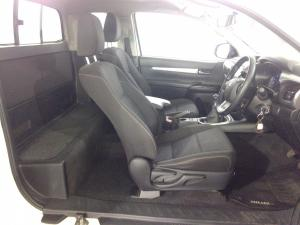 Toyota Hilux 2.8 GD-6 RB RaiderE/CAB - Image 9