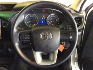 Toyota Hilux 2.4 GD-6 RB SRX automaticS/C - Image 12