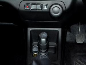Renault Kwid 1.0 Expression 5-Door - Image 21