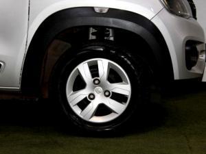 Renault Kwid 1.0 Expression 5-Door - Image 8