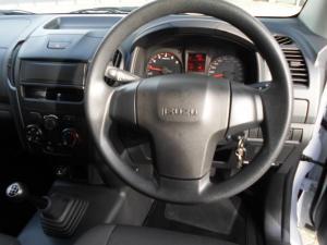 Isuzu D-MAX 250C Fleetside S/C - Image 6