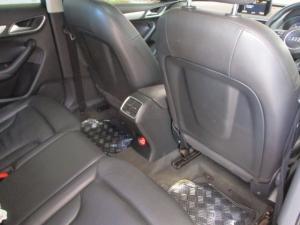 Audi Q3 2.0 TDI Quatt Stronic - Image 10