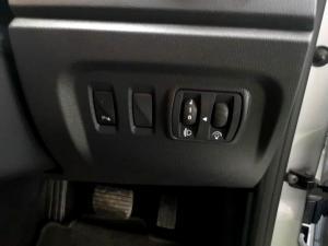 Renault Captur 900T Dynamique 5-Door - Image 24