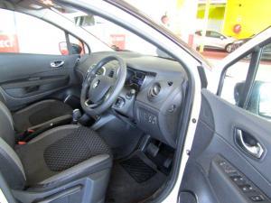 Renault Captur 1.2T Dynamique EDC 5-Door - Image 8