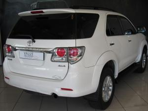Toyota Fortuner 4.0 V6 automatic 4X4 - Image 2