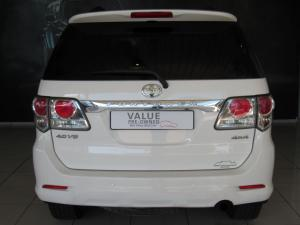 Toyota Fortuner 4.0 V6 automatic 4X4 - Image 4