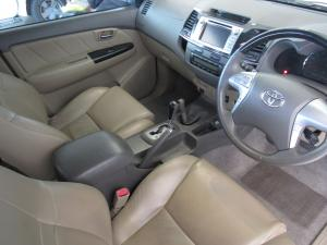 Toyota Fortuner 4.0 V6 automatic 4X4 - Image 6