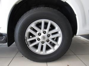 Toyota Fortuner 4.0 V6 automatic 4X4 - Image 9