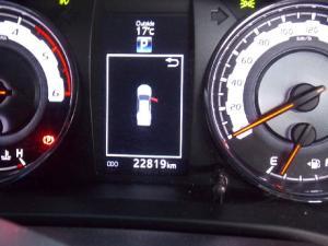 Toyota Hilux 2.8GD-6 double cab Raider auto - Image 10