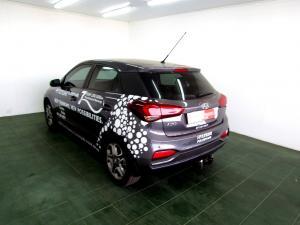 Hyundai i20 1.4 Fluid automatic - Image 4