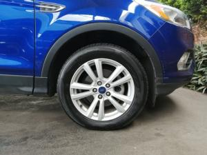 Ford Kuga 1.5T Ambiente auto - Image 8