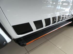 Nissan Navara 2.3D double cab 4x4 Stealth auto - Image 12