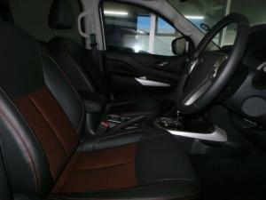 Nissan Navara 2.3D double cab 4x4 Stealth auto - Image 14