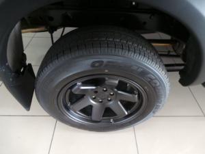 Nissan Navara 2.3D double cab 4x4 Stealth auto - Image 20