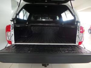 Nissan Navara 2.3D double cab 4x4 Stealth auto - Image 6