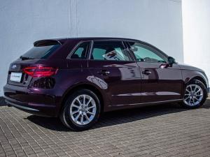 Audi A3 Sportback 1.4T FSI S Stronic - Image 2