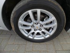 Chevrolet Sonic 1.6 LS - Image 8