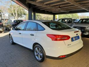 Ford Focus 1.0 Ecoboost Ambiente automatic - Image 10