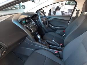 Ford Focus 1.0 Ecoboost Ambiente automatic - Image 11