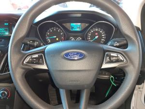 Ford Focus 1.0 Ecoboost Ambiente automatic - Image 13