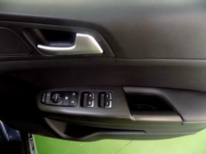Kia Sportage 2.0 Crdi automatic - Image 19
