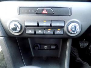 Kia Grand Sedona 2.2 Crdi SXL automatic - Image 8