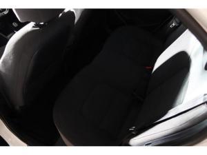 Kia Rio hatch 1.4 - Image 12