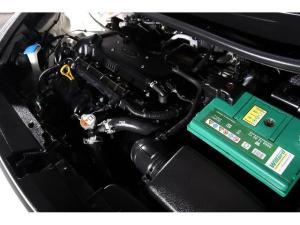 Kia Rio hatch 1.4 - Image 15
