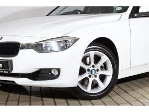 BMW 3 Series 328i - Image 2