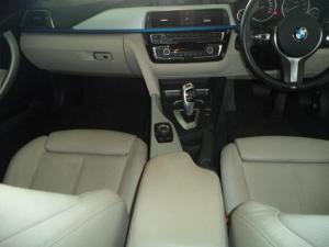 BMW 3 Series 320i - Image 11