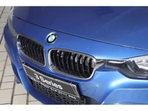 BMW 3 Series 320i - Image 4