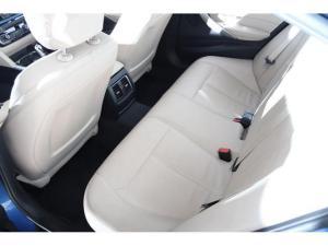 BMW 3 Series 320i - Image 8