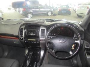 Toyota Land Cruiser Prado 4.0 VX - Image 10