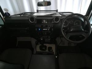 Land Rover Defender 110 TD station wagon - Image 11