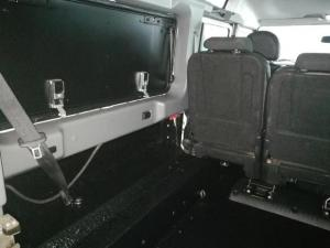 Land Rover Defender 110 TD station wagon - Image 7