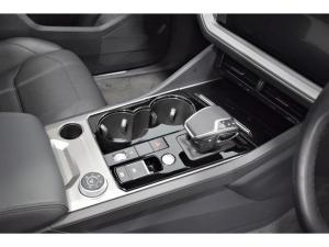 Volkswagen Touareg V6 TDI Executive R-Line - Image 12