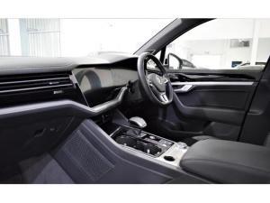 Volkswagen Touareg V6 TDI Executive R-Line - Image 17