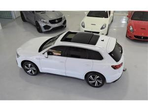 Volkswagen Touareg V6 TDI Executive R-Line - Image 20