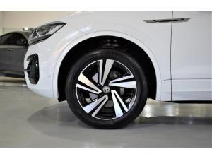Volkswagen Touareg V6 TDI Executive R-Line - Image 4