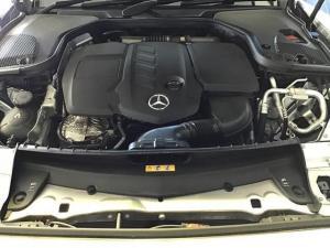 Mercedes-Benz E-Class E220d cabriolet - Image 11