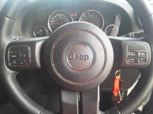 Jeep Wrangler Unlimited 3.6L Sahara - Image 11