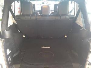 Jeep Wrangler Unlimited 3.6L Sahara - Image 18