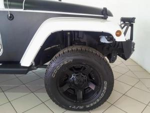 Jeep Wrangler Unlimited 3.6L Sahara - Image 7