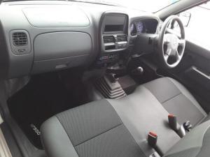 Nissan NP300 Hardbody 2.5TDi - Image 18