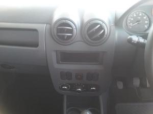 Nissan NP200 1.6i (aircon) - Image 13